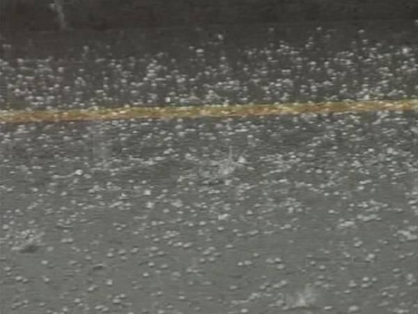 پنجاب کے کئی شہروں میں ہلکی بارش سے موسم تبدیل