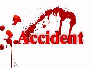 بھائی پھیرو:ڈرائیور کو اونگھ آ جانے سے ٹرک درخت سے ٹکراگیا ۔کنڈکٹر موقع پر ہلاک
