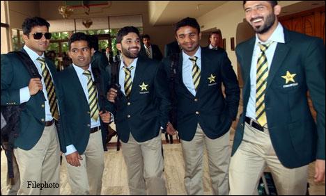 Photo of قومی کرکٹ ٹیم بنگلہ دیش کے دورے کے بعد وطن واپس پہنچ گئی