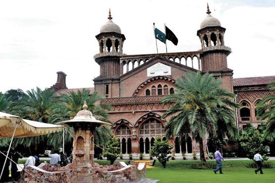 Photo of لاہور ہائیکورٹ نے موٹر وے پر پولی تھین بیگز کے استعمال پر پابندی لگا دی
