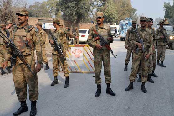 اسلام آباد : فوج کے قیام میں 90 روز کی توسیع کردی گئی