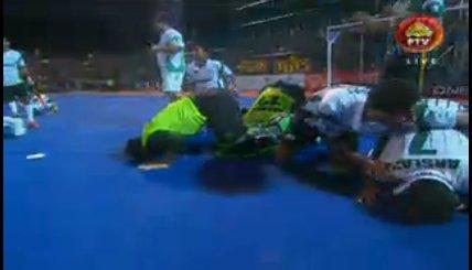 ایشیئن چیمپئنز ٹرافی : پاکستان نے ملائشیا کو سیمی فائنل میں 2-3 گول سے ہرادیا