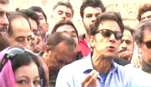 ہمیں گدھے کی نہیں بکرے کی قربانی چاہیے: عمران خان